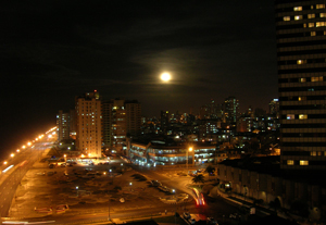 Full moon in Havana